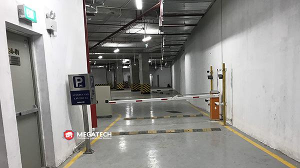 bãi đỗ xe ô tô tại tầng hầm b4