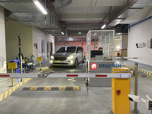 Lắp đặt bãi đỗ xe thông minh cho tòa nhà Golden King