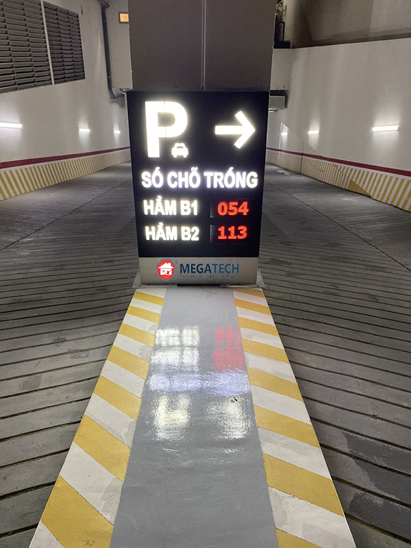 Bảng led thông báo và chỉ dẫn số chỗ trống cho bãi đỗ xe Golden King